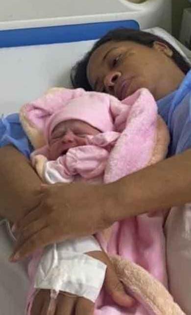 Hospital logra nacimiento de criatura in vitro