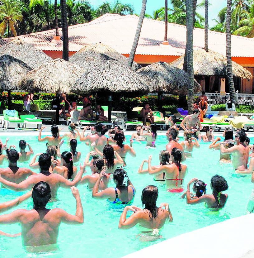 Senador Virgilio Cedano dice turismo creció un 60%
