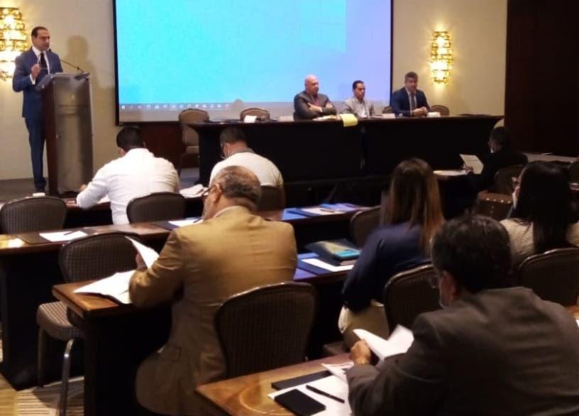 Finjus y legisladores analizan proyecto Ley Extinción de Dominio