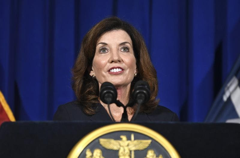 Kathy Hochul, primera gobernadora del estado de Nueva York