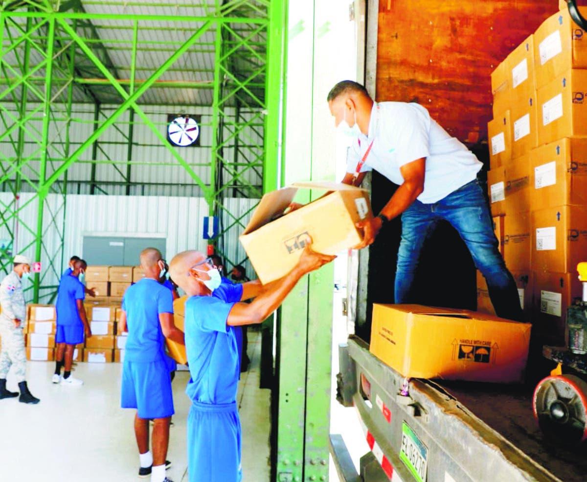 Gobierno RD envía medicamentos y alimentos para Haití