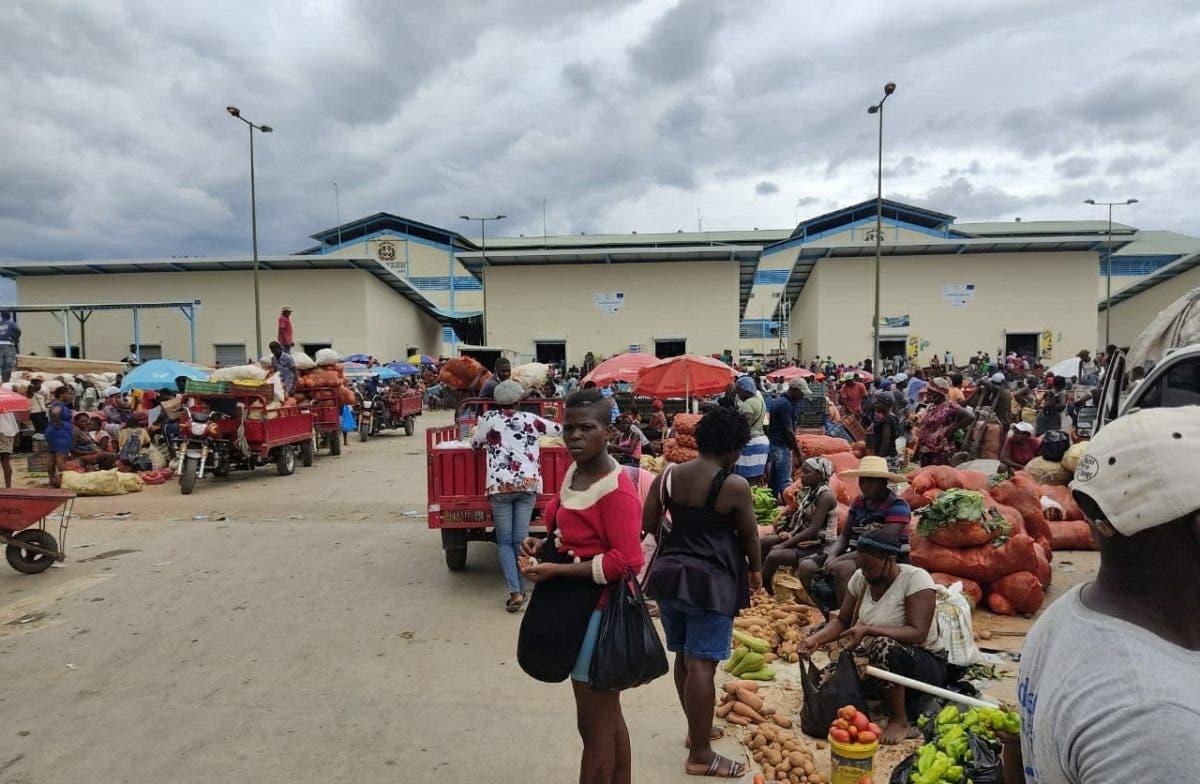 Mercado binacional en frontera RD-Haití se desarrolla con normalidad este lunes