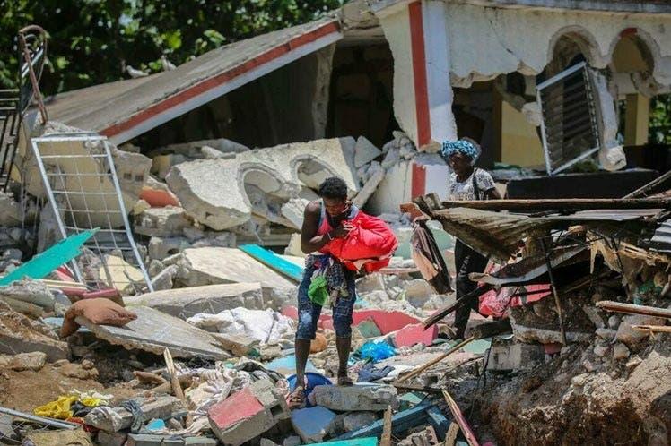Bolsonaro encabeza ceremonia de envío de ayuda brasileña a Haití