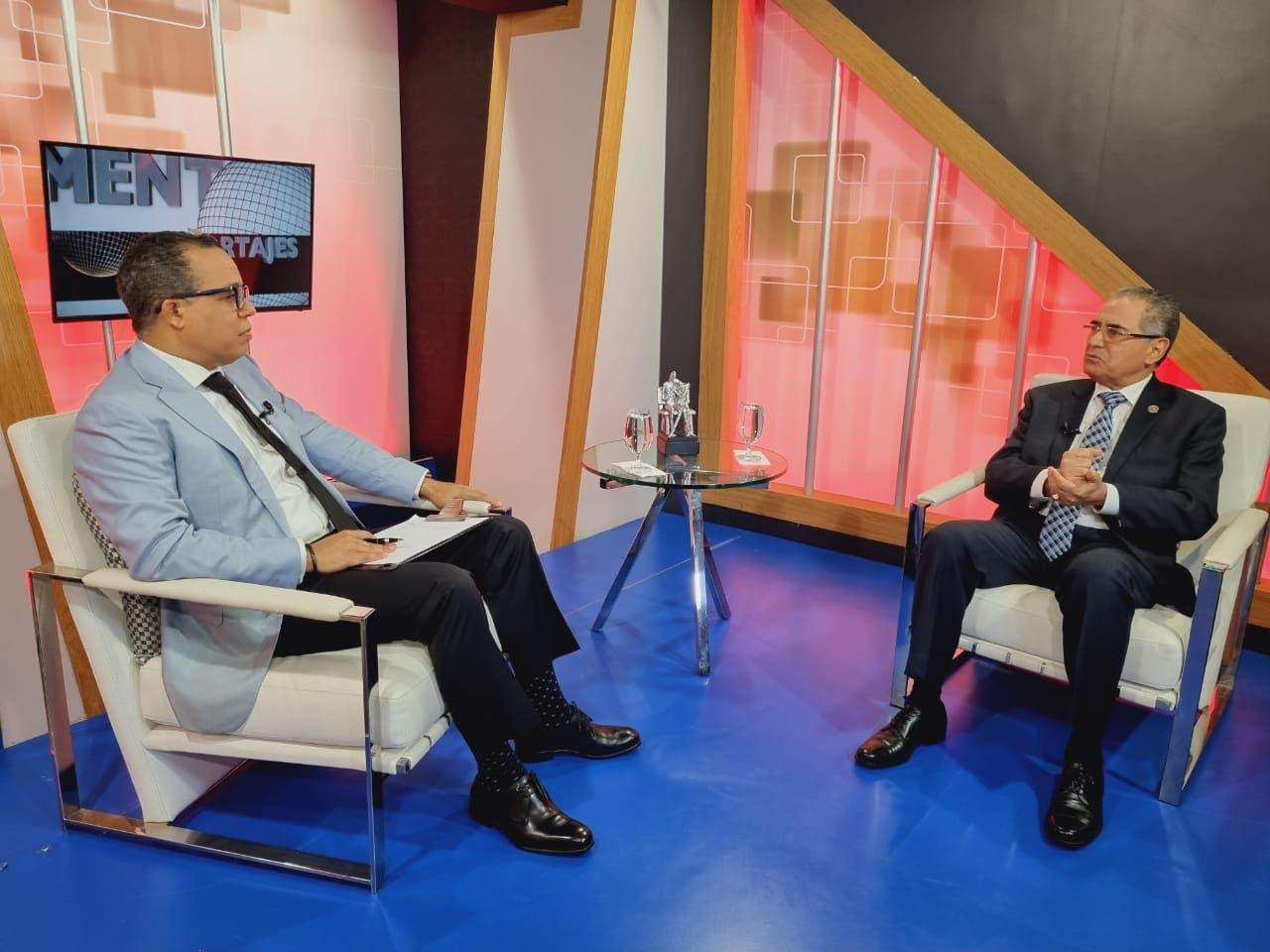 Néstor Julio Cruz informa presidente Abinader autorizó implementar pasaporte electrónico