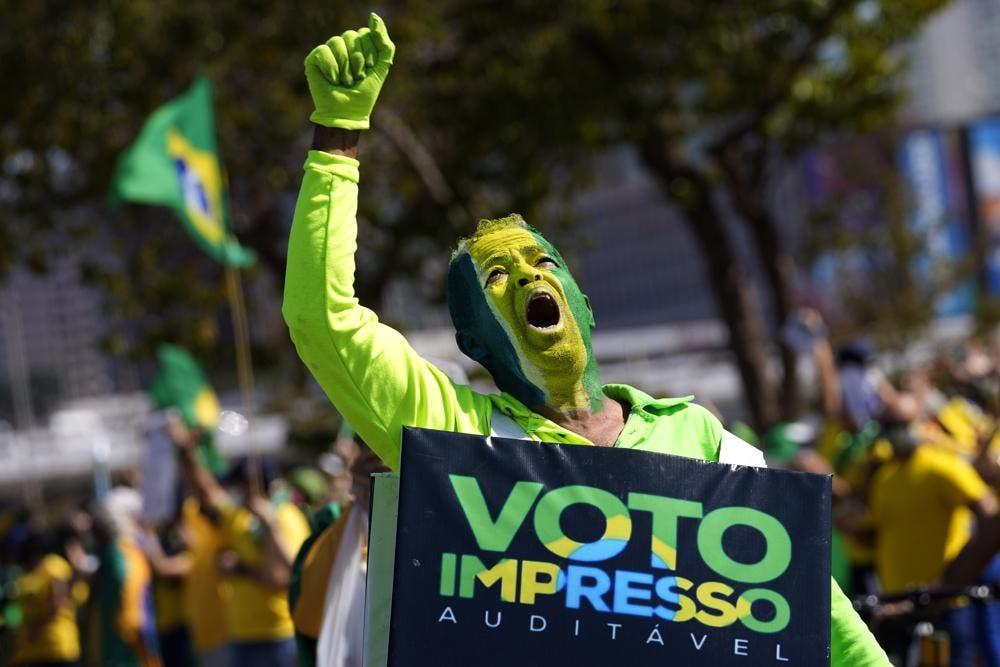 La corte electoral de Brasil toma medidas contra Jair Bolsonaro