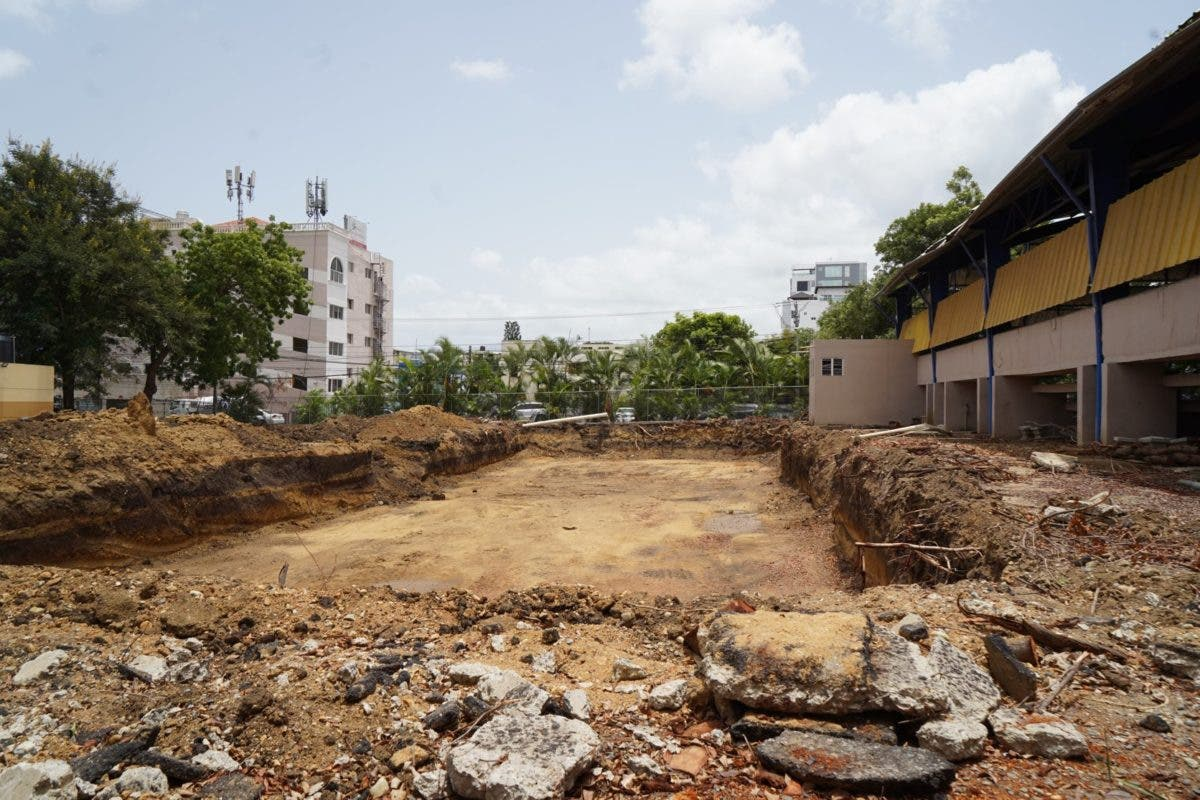 Ministro de Educación dice se reanudará reconstrucción de escuelas