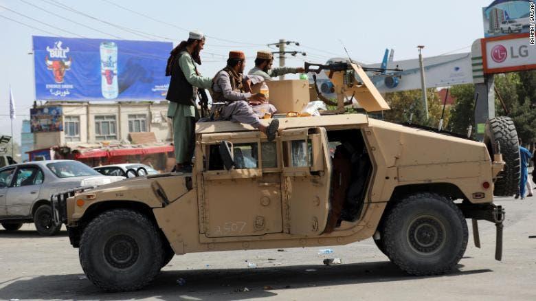 Los talibanes elevan las consultas para formar un Gobierno en Afganistán