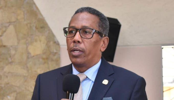 Director de Comedores Económicos dice investigan irregularidades de gestión anterior