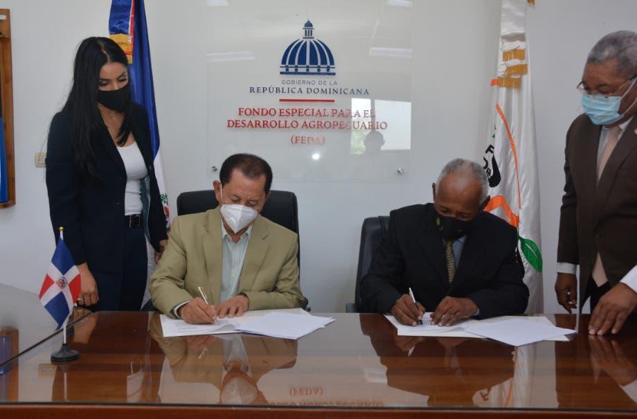 Feda e Idiaf firman acuerdo  colaboración para impulsar producción de peces en el país