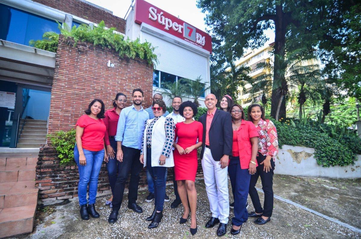 Emisora «La Súper 7» celebra su sexto aniversario