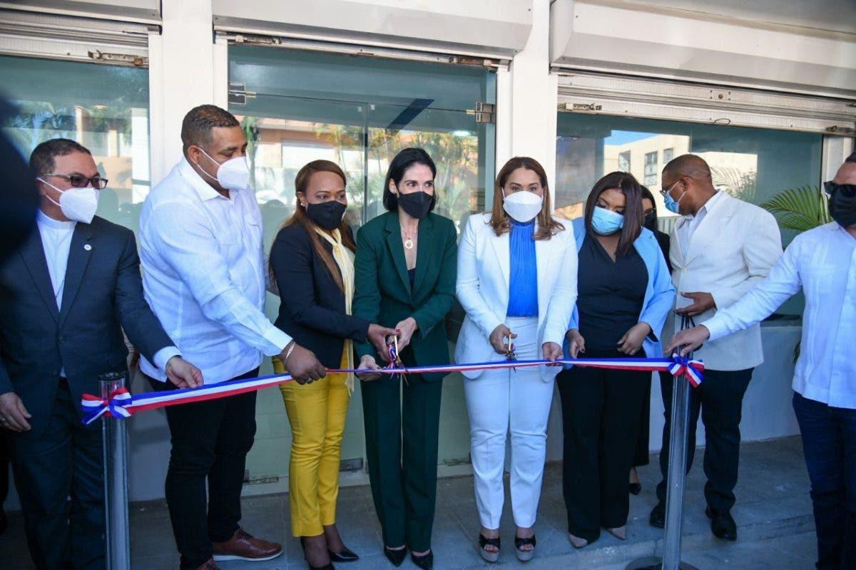 Inauguran locales del Ministerio de la Mujer en Consuelo y San Pedro de Macorís