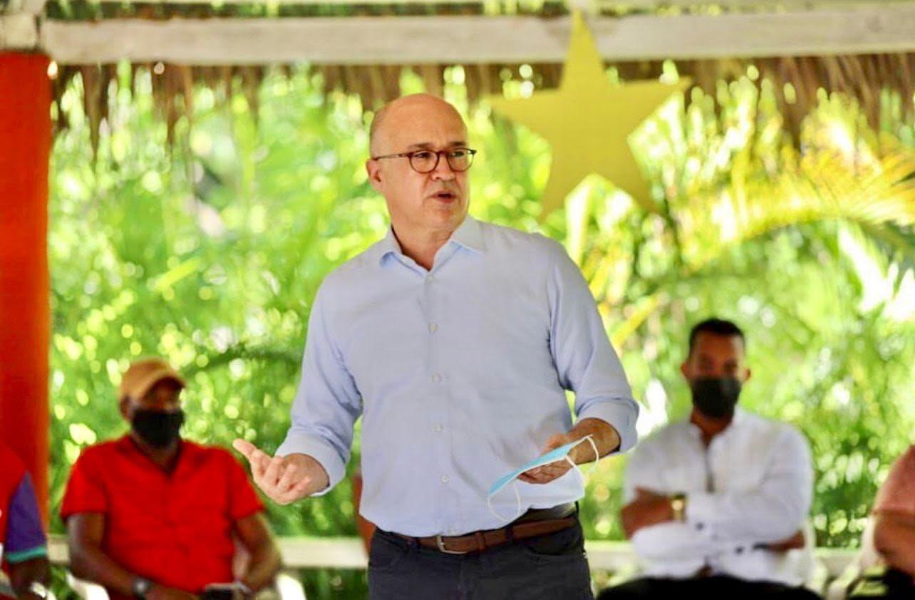 Francisco Domínguez Brito cuestiona a Abinader omisión de préstamos por 12 mil millones de dólares en discurso