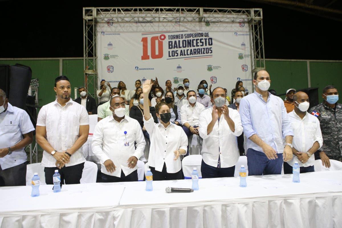 Inició décimo torneo de baloncesto superior de Los Alcarrizos