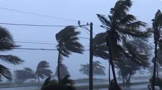 Video: Depresión tropical Grace provoca oleaje anormal en el Malecón de Santo Domingo