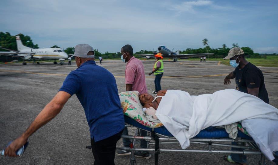 Pandilleros de Haití secuestran a dos médicos atendían víctimas; clínica cierra en protesta