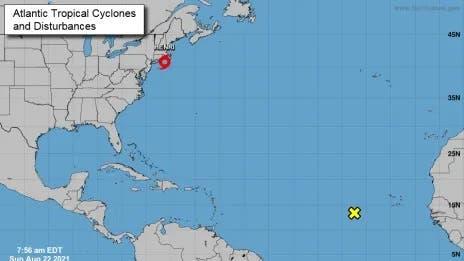 Henri, ahora tormenta tropical, está cerca de la costa del noreste de EEUU