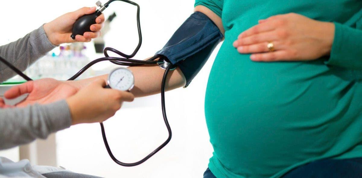 Detectan nuevas variantes genéticas causantes de hipertensión en embarazadas