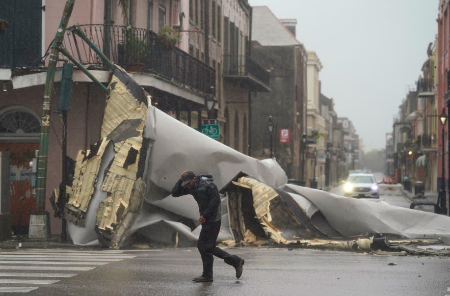 Huracán Ida golpea con fuerza la costa de EEUU y amenaza Nueva Orleans