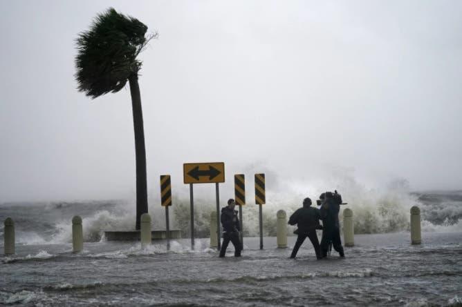 Video: Ida inunda Luisiana y Mississippi como tormenta tropical