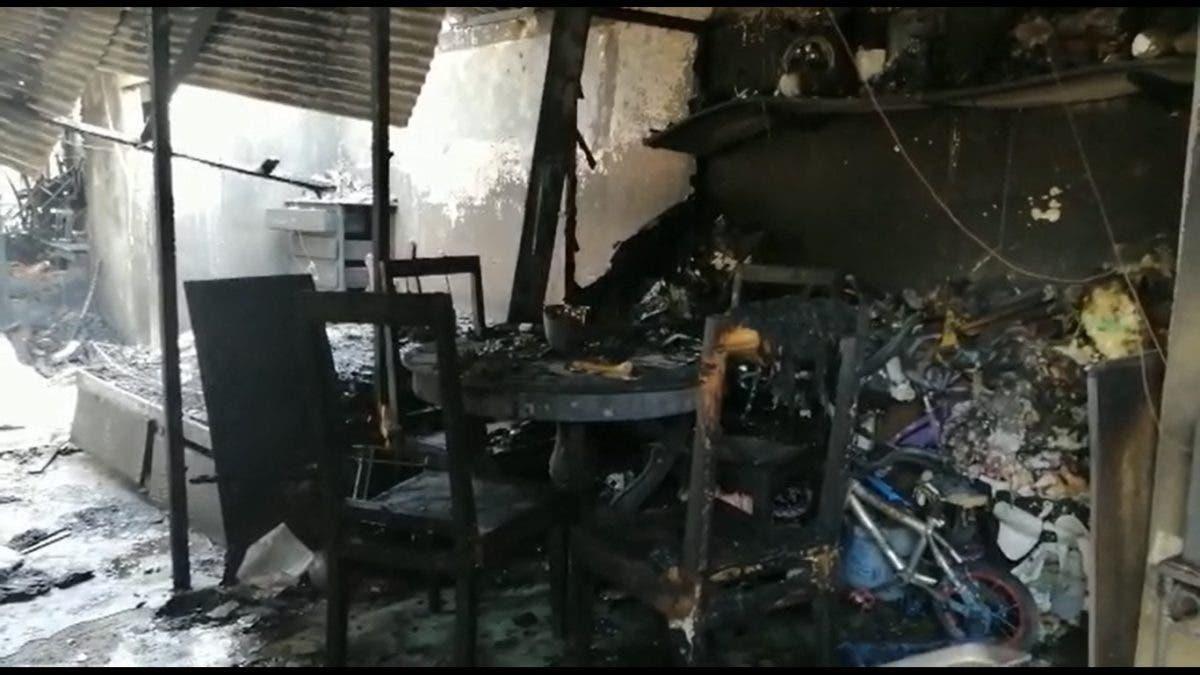 Video: incendio destruye cuatro viviendas en barrio de Los Alcarrizos