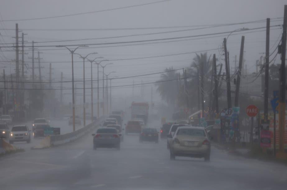 Sistema tropical con fuertes lluvias se acerca a Islas Vírgenes y Puerto Rico