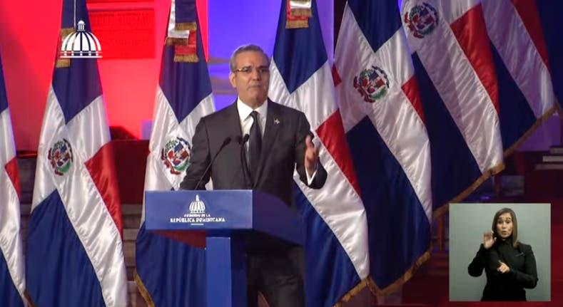 Presidente revela reformará Constitución