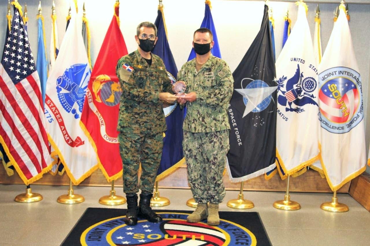 República Dominicana estrecha vínculos con Comando Sur de los EE.UU.