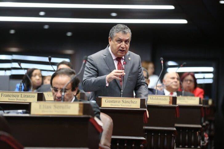 Diputado PLD denuncia PRM trató boicotear en NY acto Abel Martínez