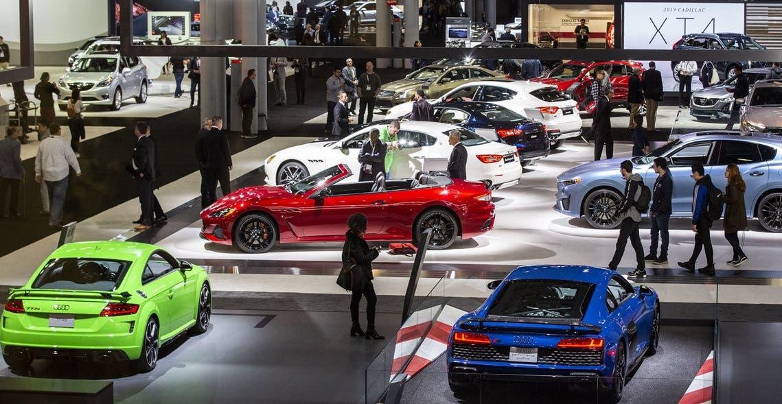 Por variante delta cancelan en NY show automóviles asisten miles de personas