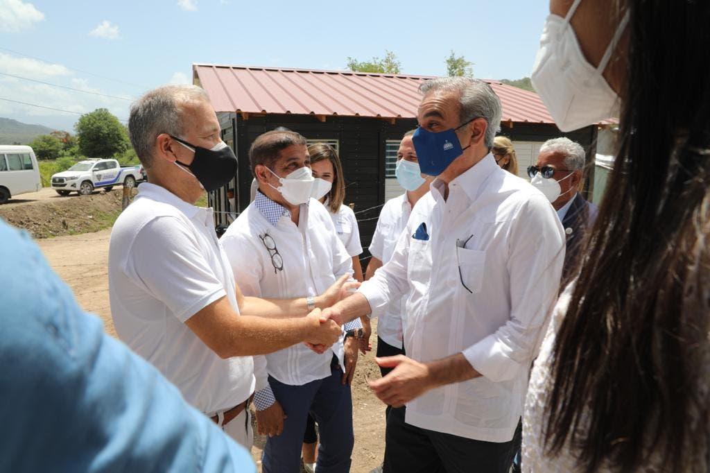 Luis Abinader inaugura la primera comunidad sostenible de RD