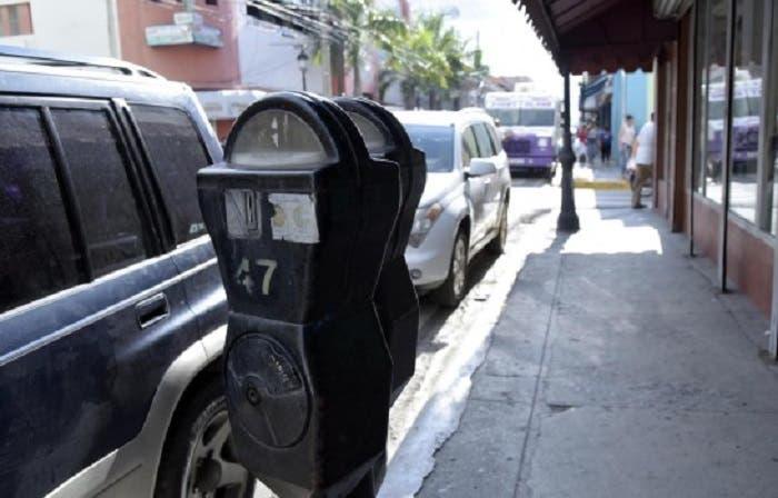 Comerciantes del Centro Histórico de Santiago diligencian restablecimiento de parquímetros