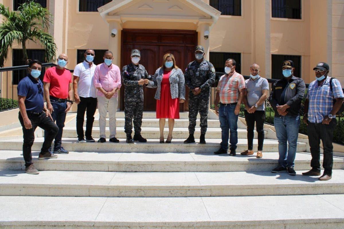 Dirección Regional Oeste de la Policía y Gobernación de Azua unen esfuerzos para enfrentar delincuencia