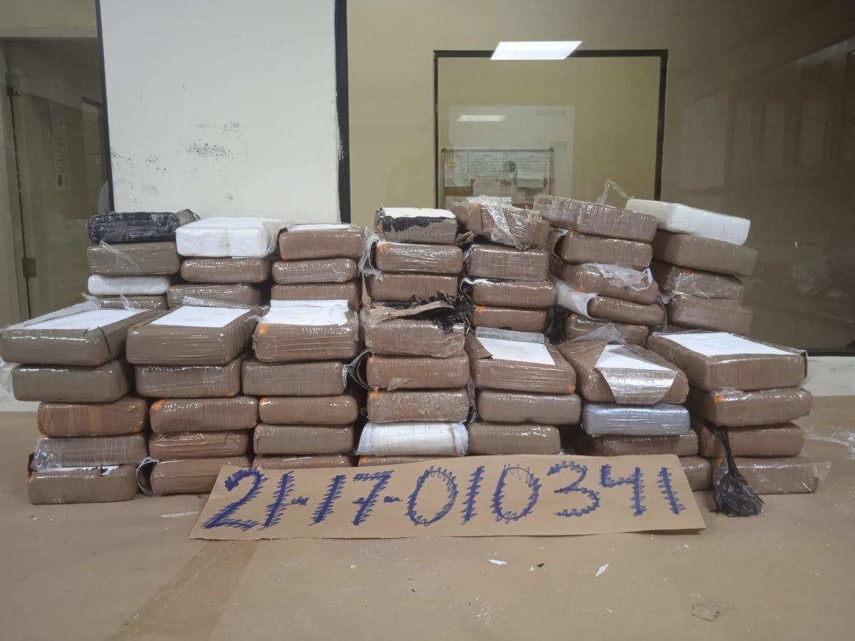 DNCD dice no es cocaína, sustancia ocupada en ambulancia en Los Pilones de Azua
