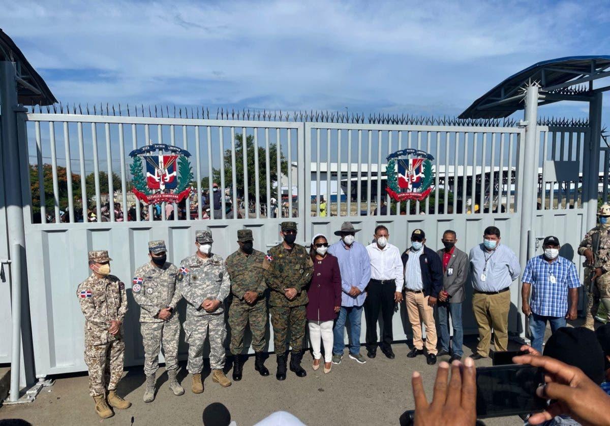 Cesfront anuncia conclusión de remoción de puerta binacional en Dajabón