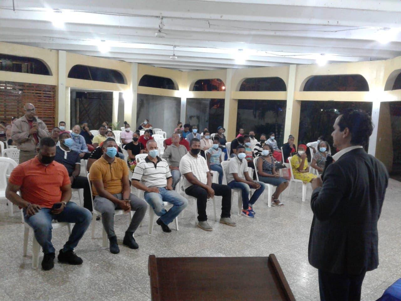 Senador Iván Silva lleva «Prende y Emprende» a Cristo Rey con la Embajada Alemana