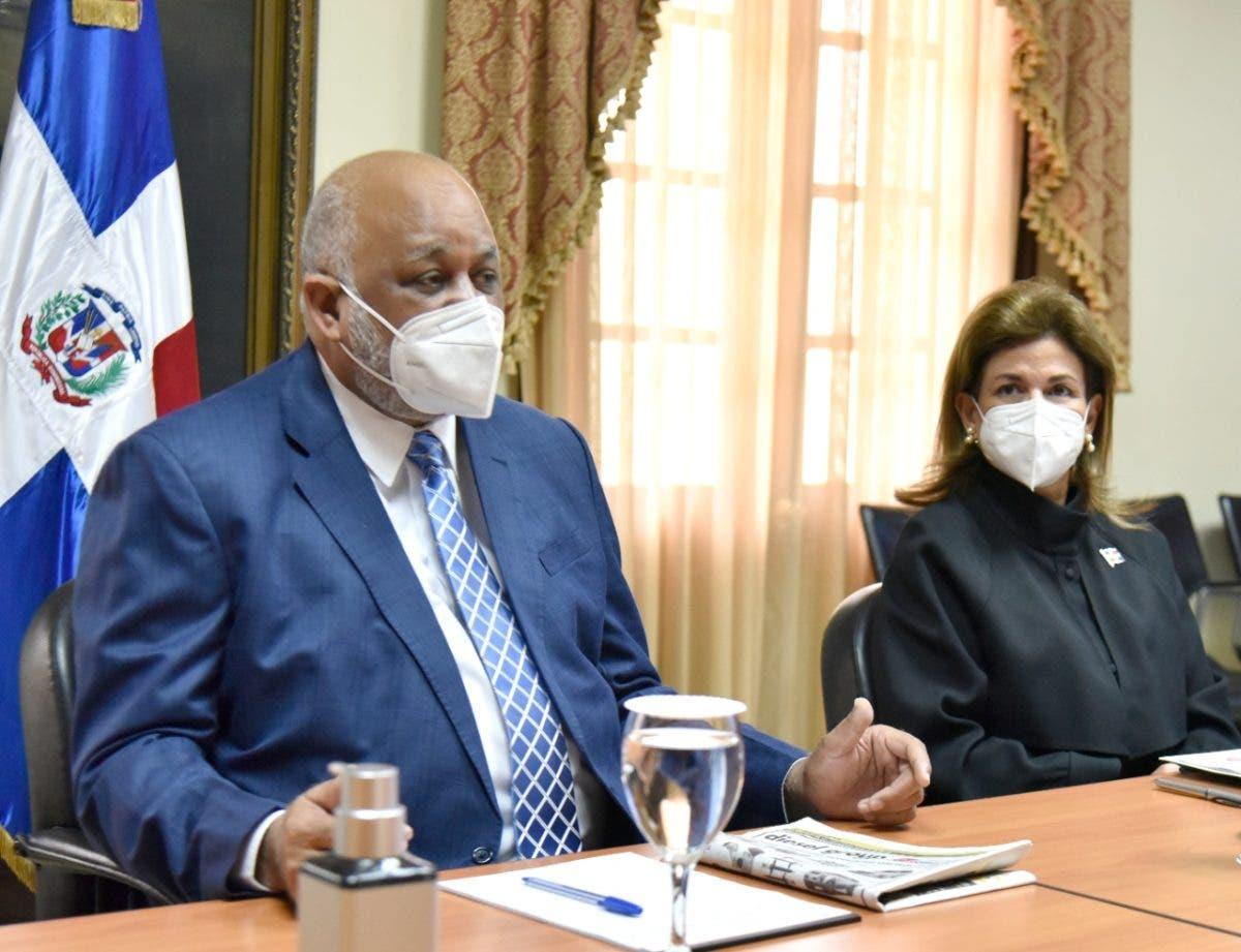 Peña y Fulcar trazan estrategia de Jornada Nacional de Vacunación Masiva