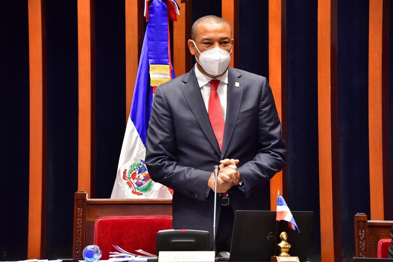 Senador Zorrilla: Haití necesita  obras, no dinero