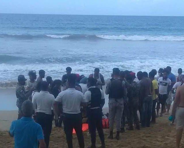 Hermanitos salieron sin permiso de sus padres y se ahogaron en «La Playita» del malecón