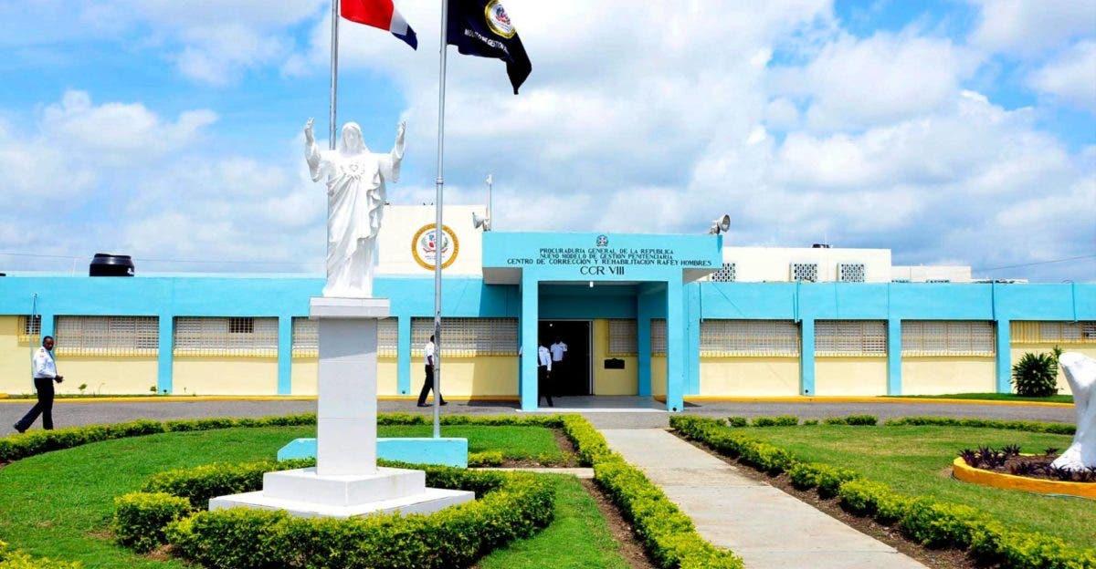 Educación entrega a cárcel Rafey mobiliario reclusos