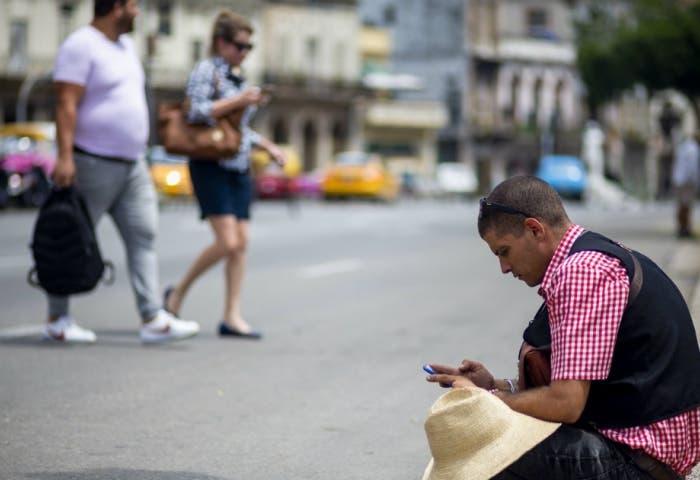 Nuevas regulaciones en Cuba para condenar quienes hablen mal del gobierno en RRSS
