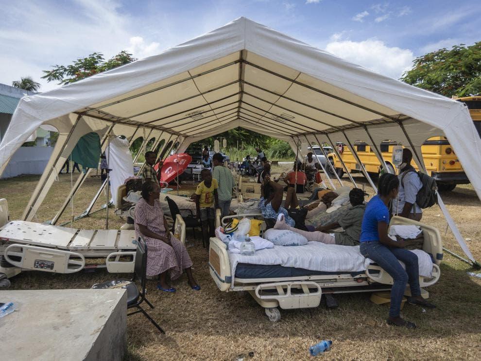 Hospitales siguen recibiendo a heridos en el sismo de Haití