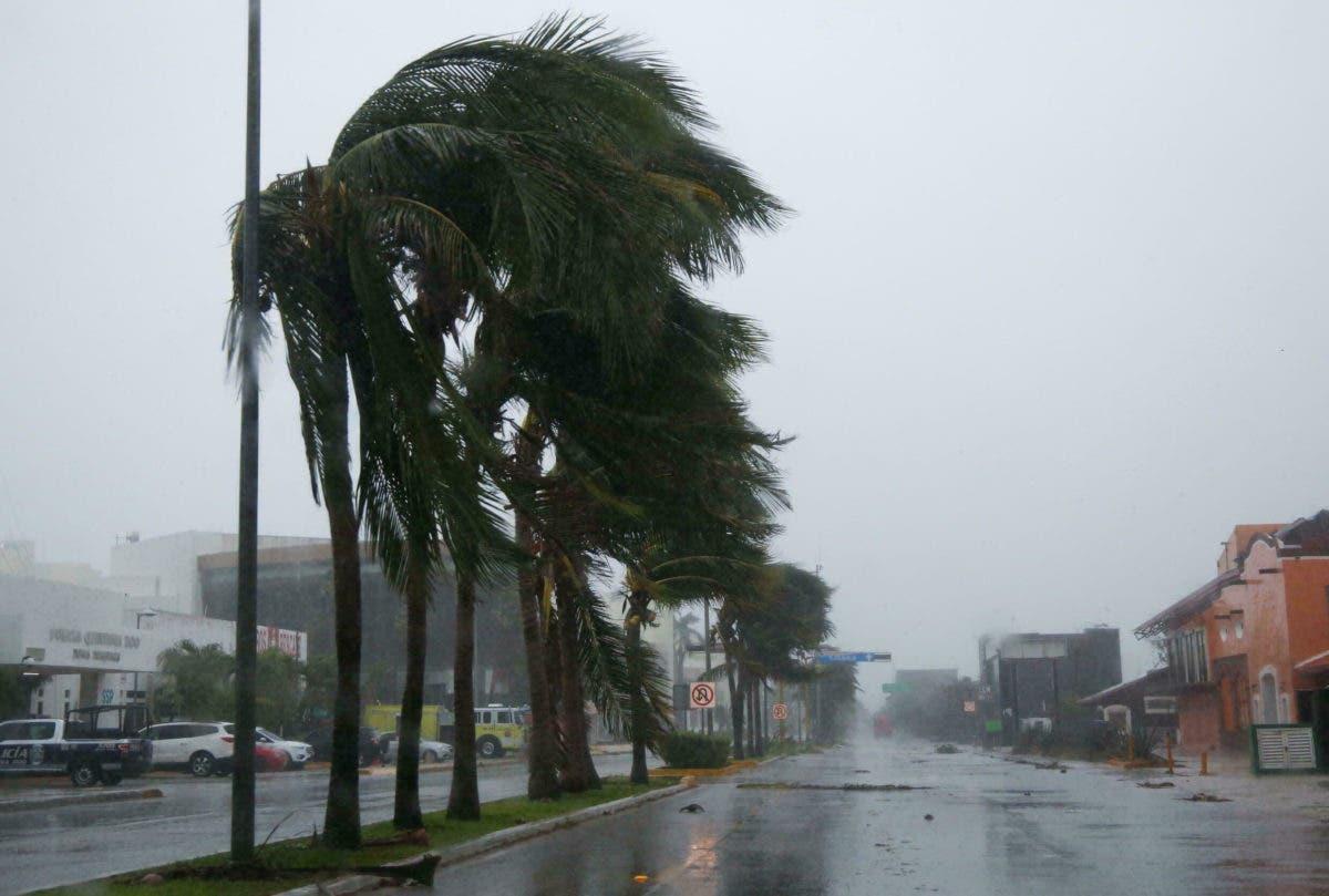 Grace recupera categoría de huracán y  avanza hacia la costa de México