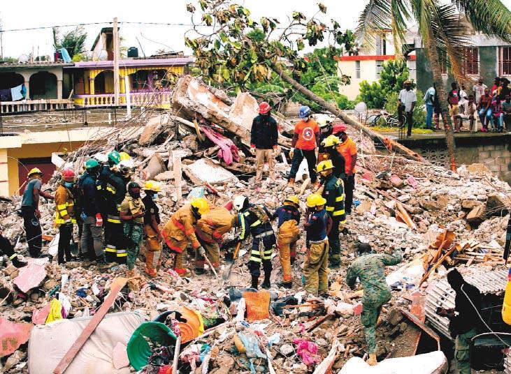 Lluvias complican rescate; suman 1,941 los fallecidos