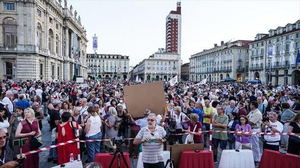 Más de 200.000 profesores en Italia arriesgan sanción por no estar vacunados