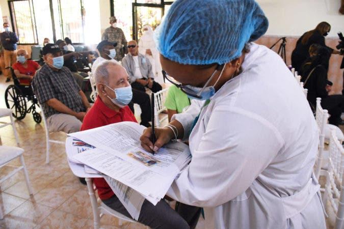Advierten ocurrencia de nuevo rebrote covid por personas sin vacunar