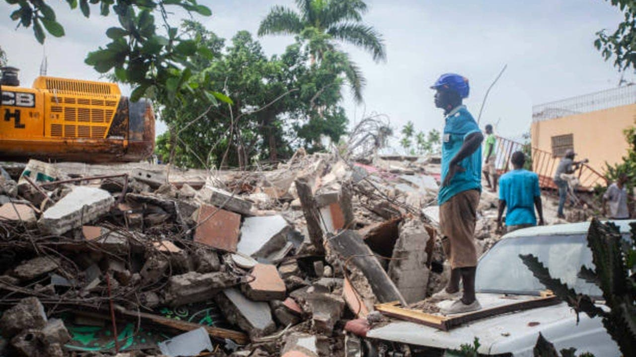 El papa envía una ayuda inicial de 200.000 euros a Haití