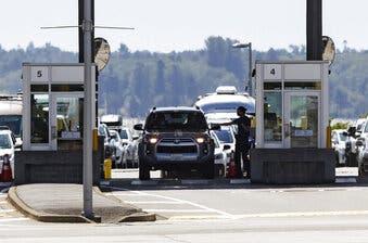 EEUU amplía prohibición de viajes no esenciales en fronteras