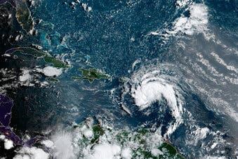 Tormenta tropical Fred se debilita tras llegar a Dominicana