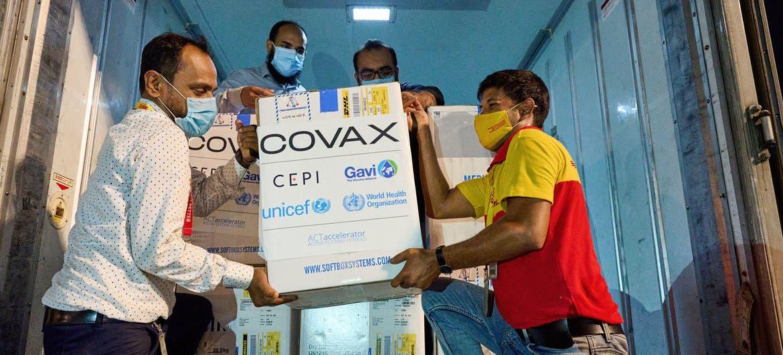 ¿Qué se hace para distribuir vacunas contra COVID-19 en el mundo?