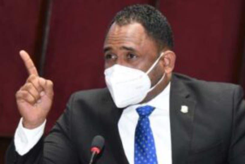 Diputado Aracena denuncia alegada mafia en el Intrant